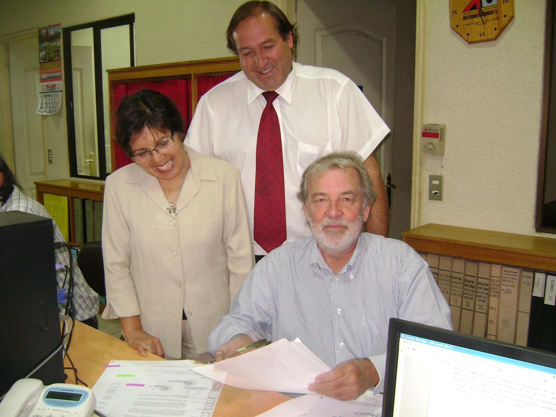 Firma Contrato FESAN I MUNICIPALIDAD MAULE2 24ene 2012